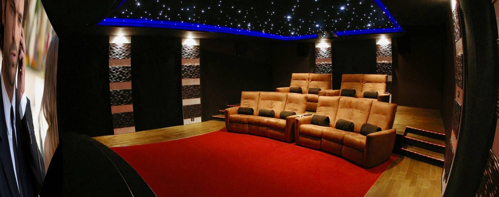 hocinema l 39 expert de la salle de cin ma priv e la maison. Black Bedroom Furniture Sets. Home Design Ideas