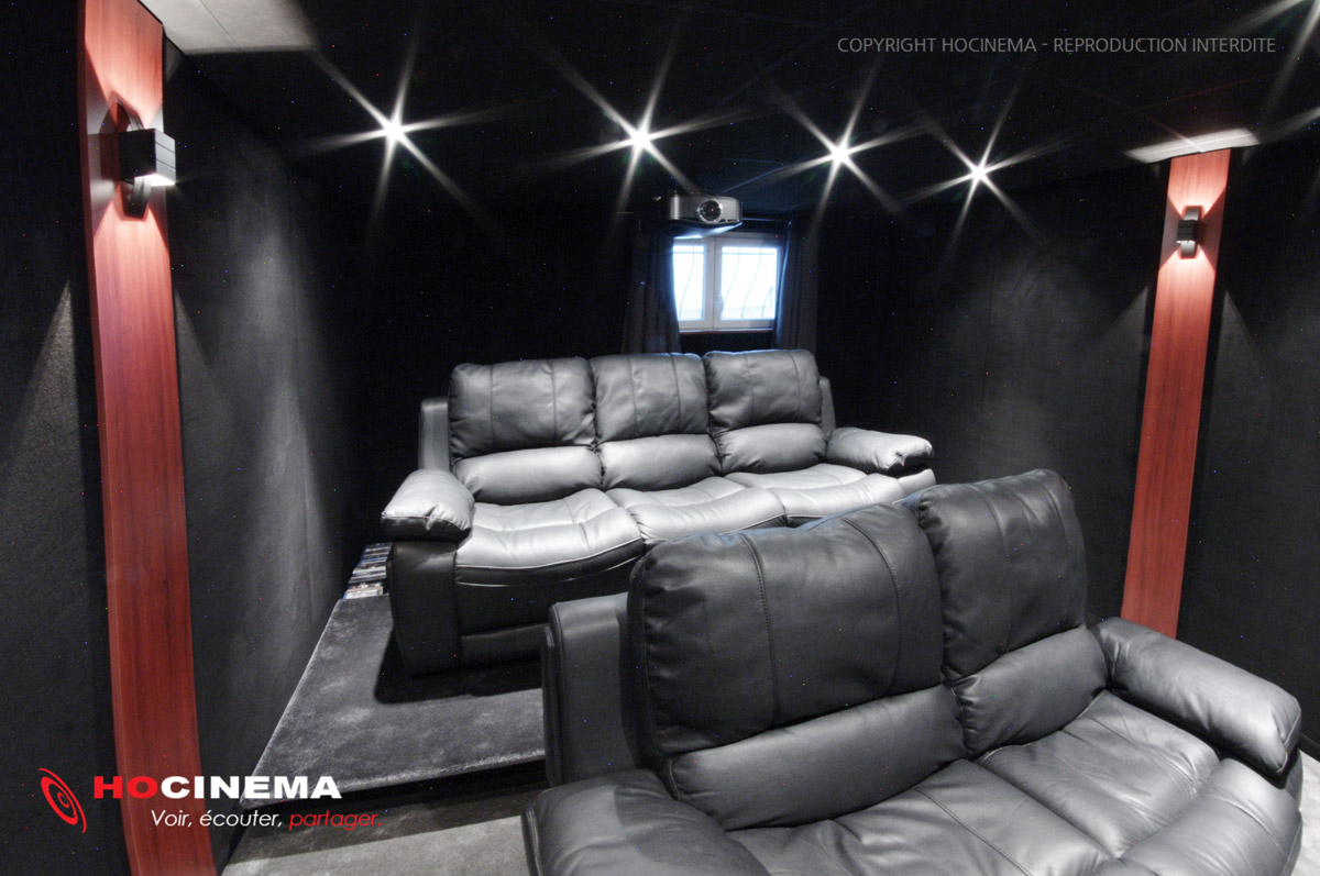 hocinema la salle de cin ma maison leo en d tail. Black Bedroom Furniture Sets. Home Design Ideas