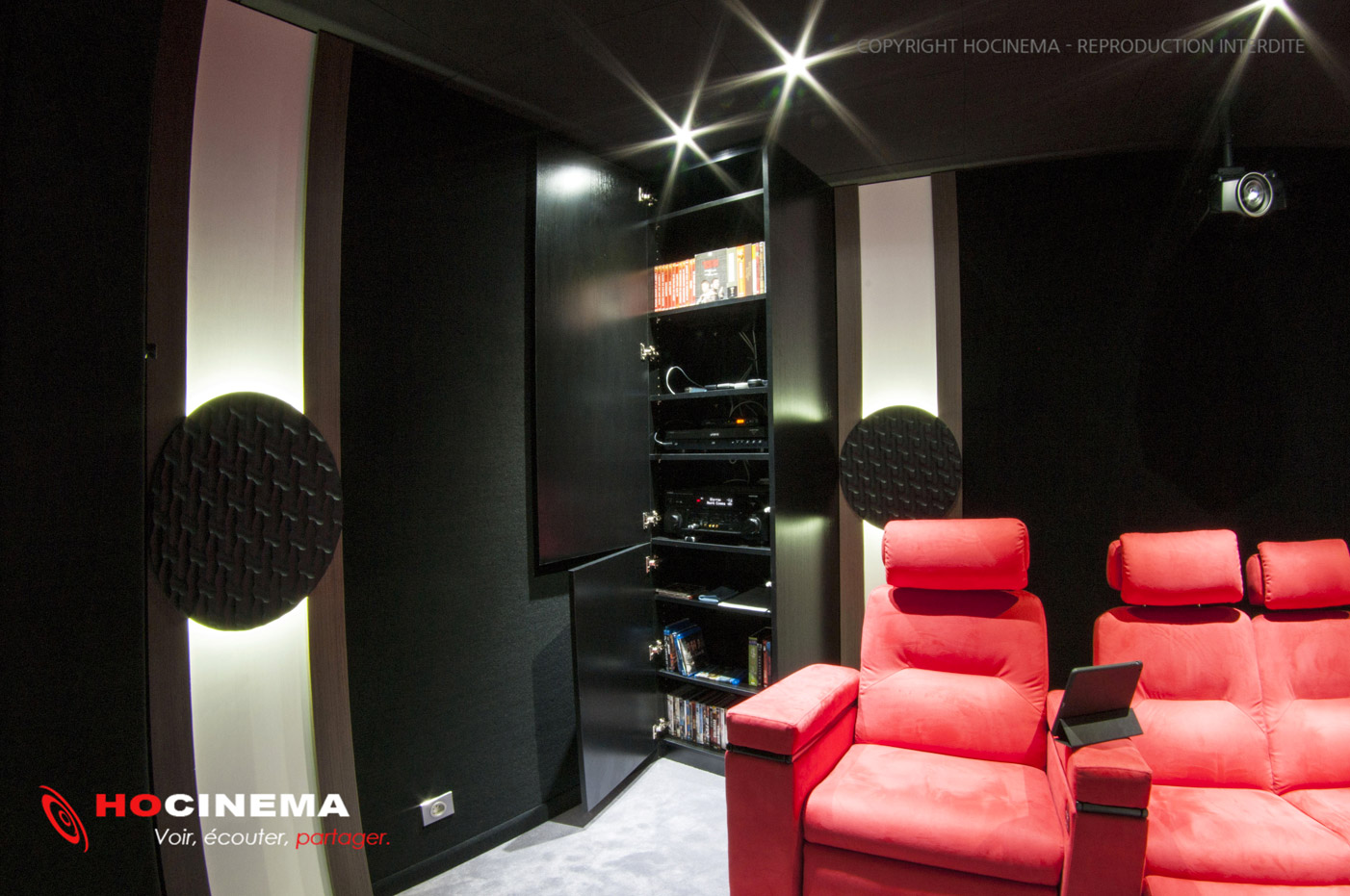 salle cinma maison gallery of dcoration sous sol cinema maison with salle cinma maison le rve. Black Bedroom Furniture Sets. Home Design Ideas