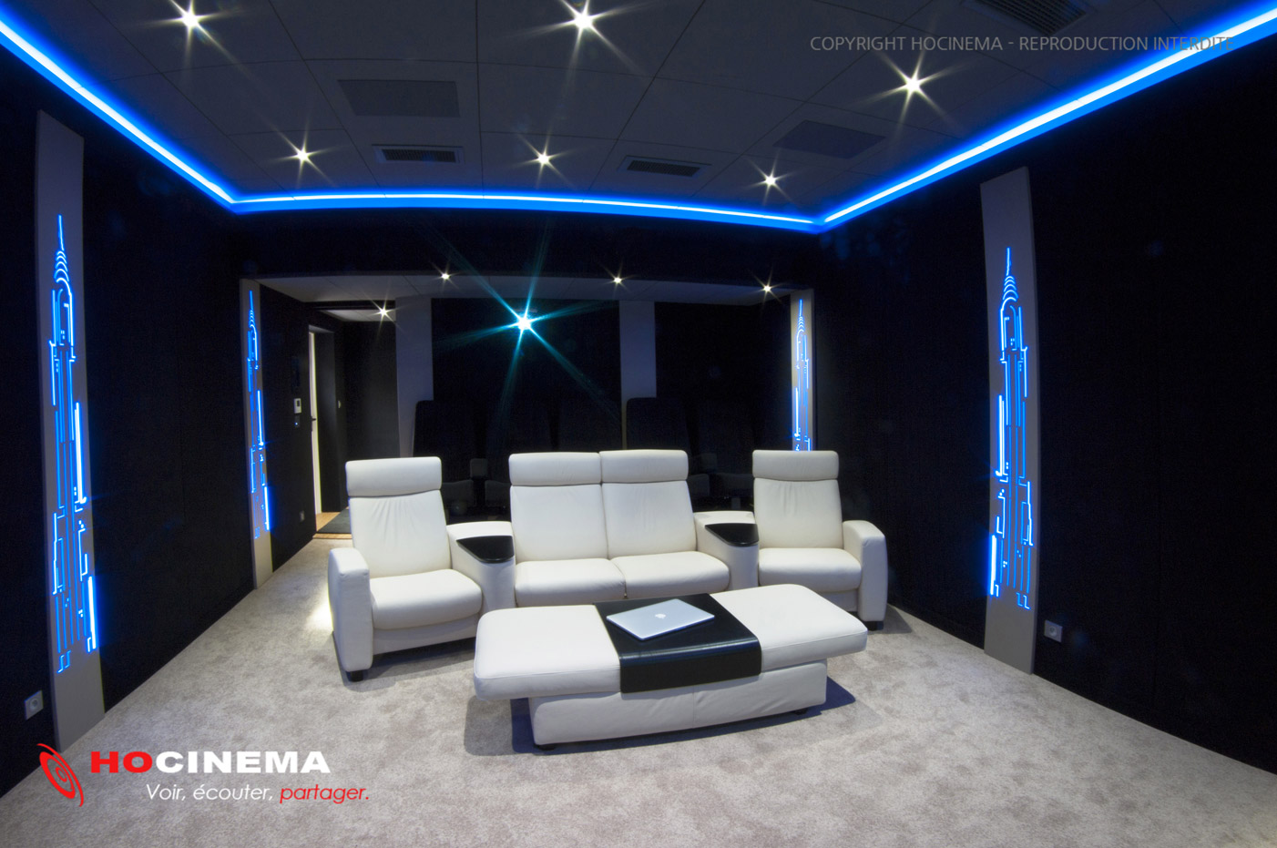 hocinema la salle de cin ma priv e pegasus en d tail. Black Bedroom Furniture Sets. Home Design Ideas
