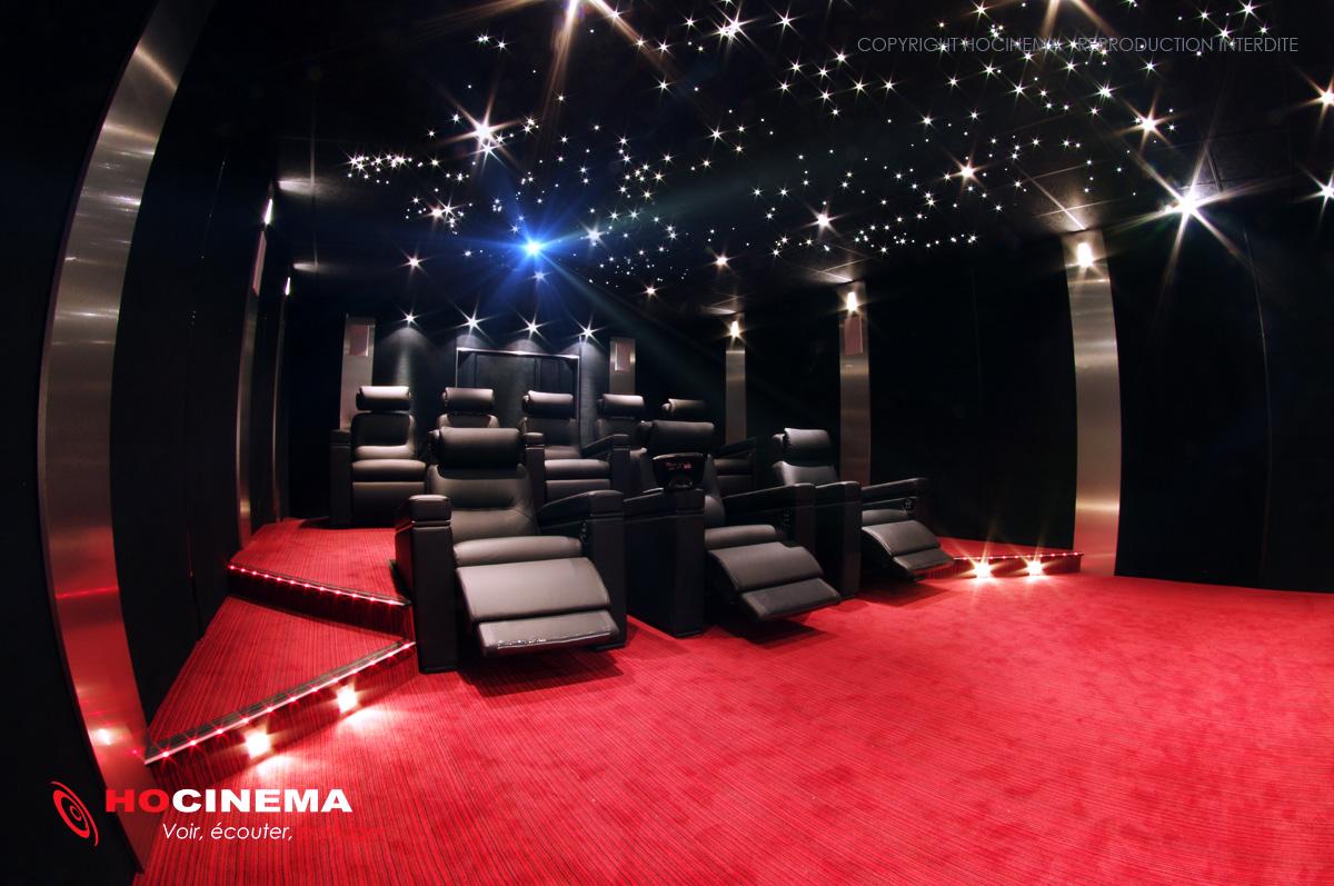 Hocinema la salle de cin ma priv e borealis en d tail - Salle cinema maison ...